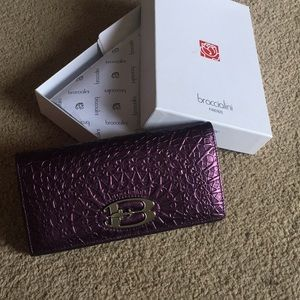 Braccialini Purple Authentic Leather Wallet ✨✨